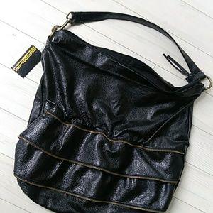 🌷2/$12 Sasha handbag